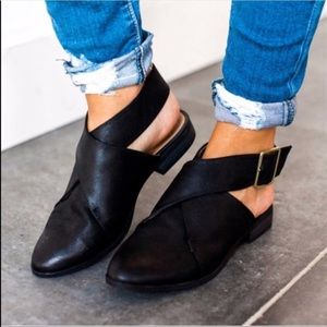 Shoes - LAST 1️⃣ Vegan Leather Wrap Ankle Flat with Buckle